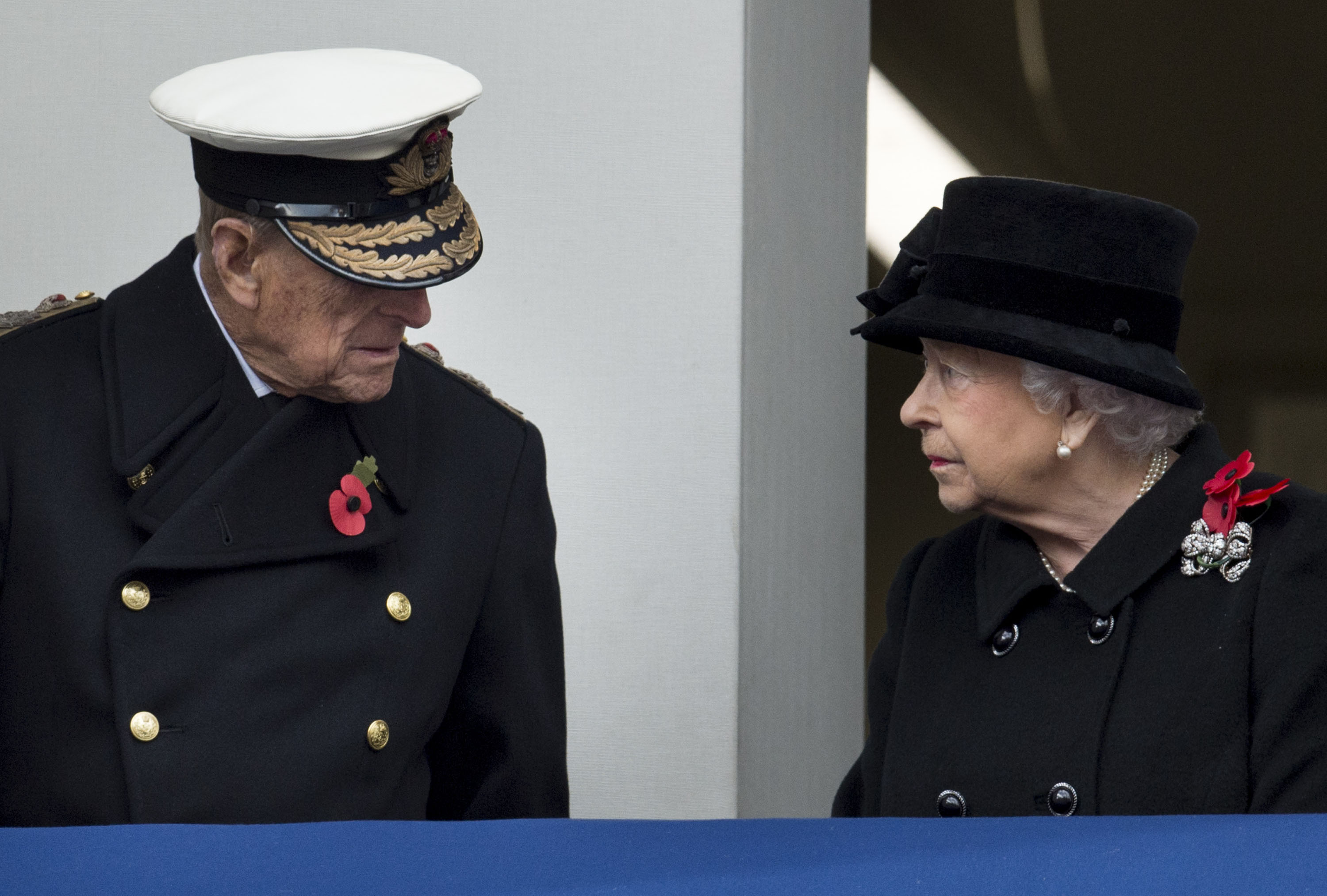 queen elizabeth remembrance day