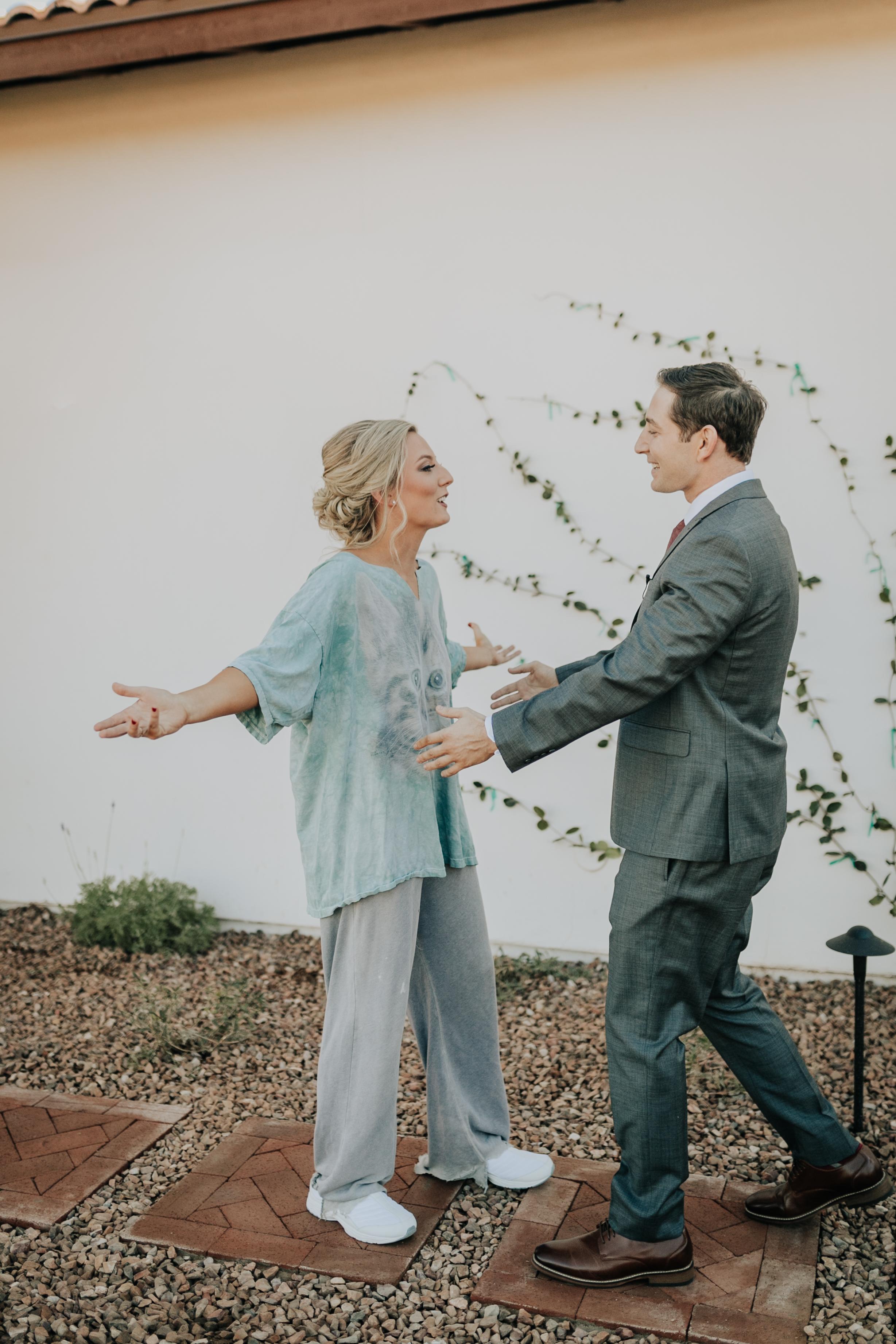 wedding photo candid