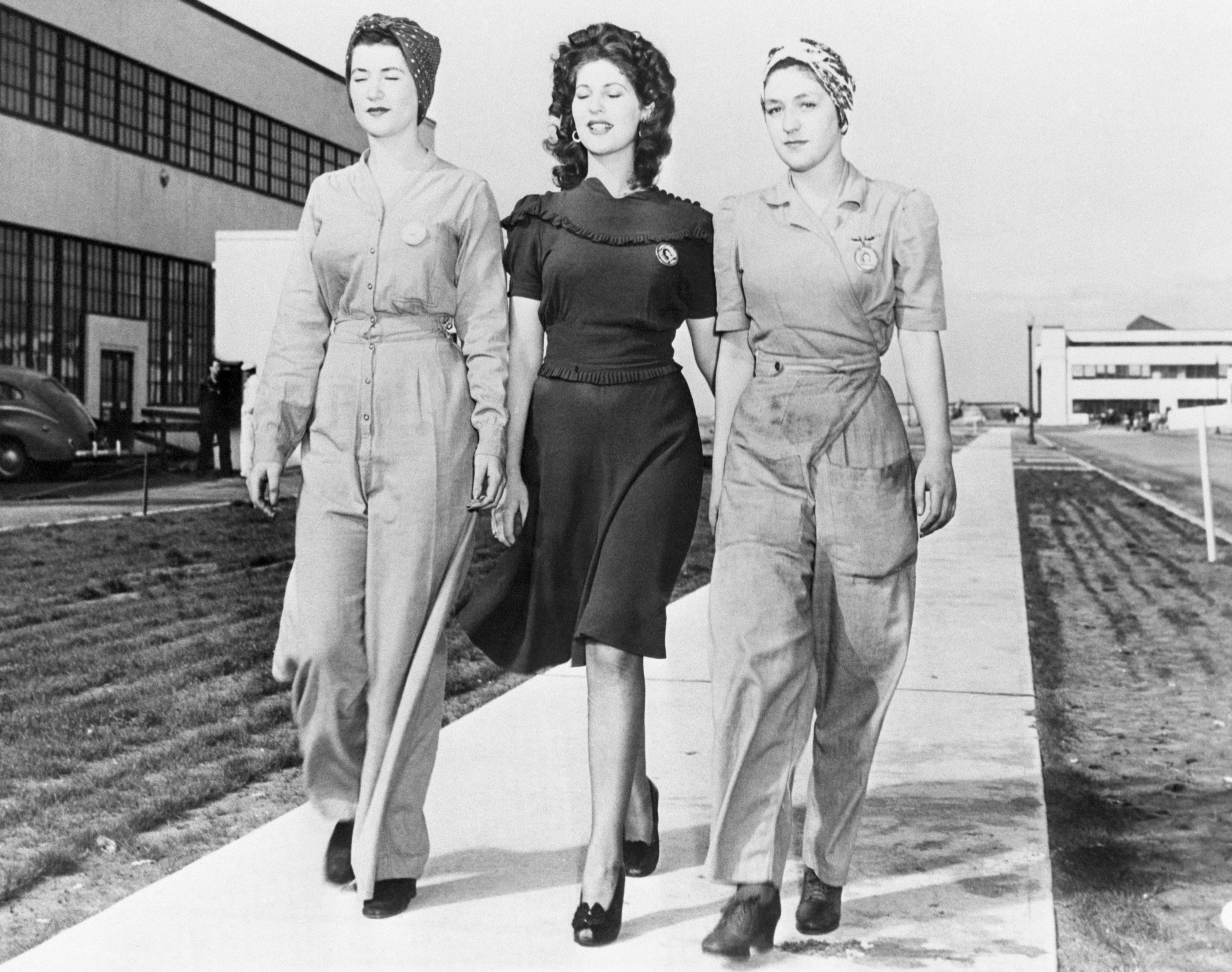 women's fashion during wwii
