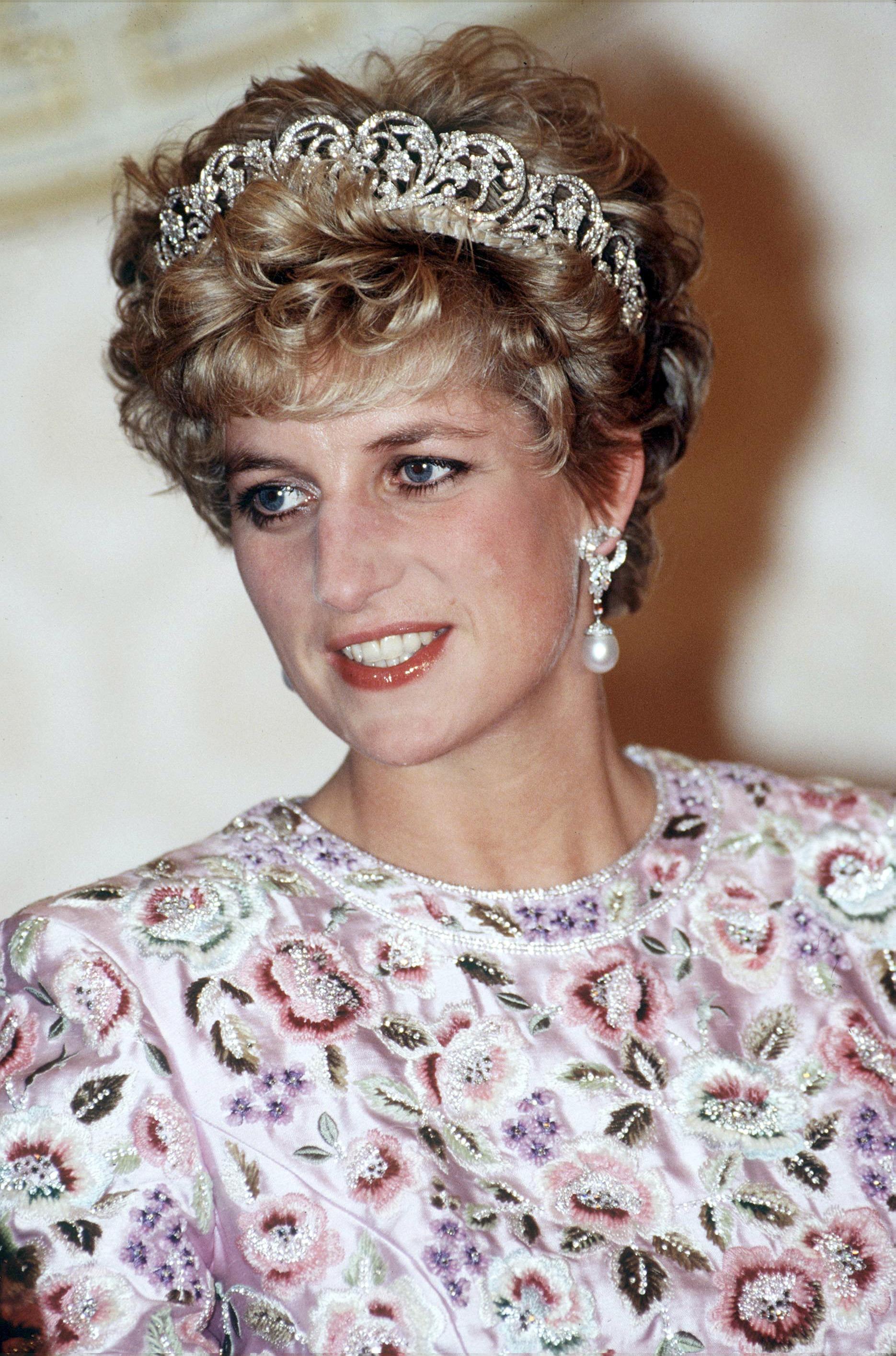 Princess Diana Pearl Drop Earrings