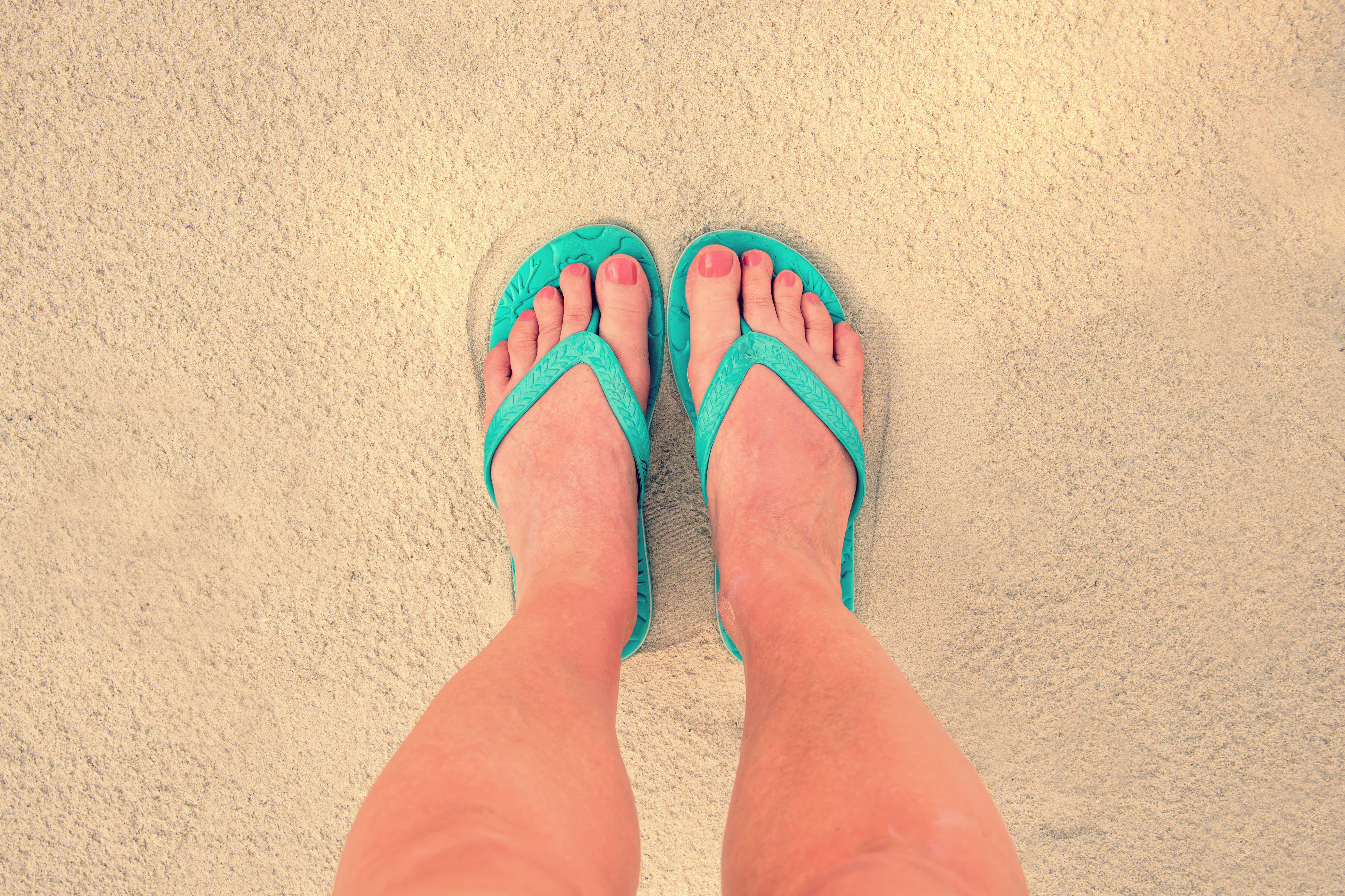 Do I Have Wide Feet? Here's How You Can