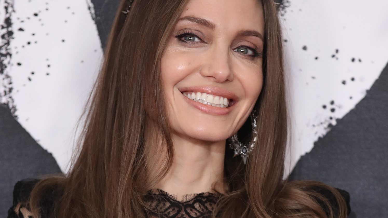 This 3 Hair Mask Saved Angelina Jolie S Damaged Locks