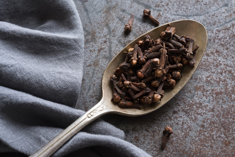 cloves in spoon