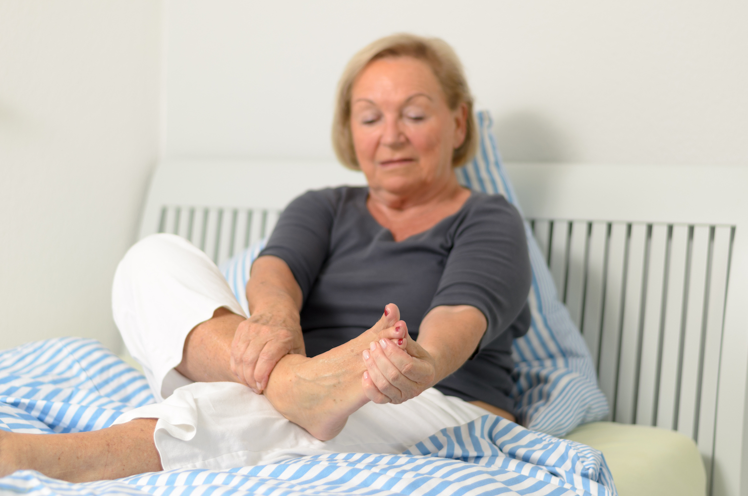 How to Relieve Foot Pain in 6 Easy Steps You Can Do At Home