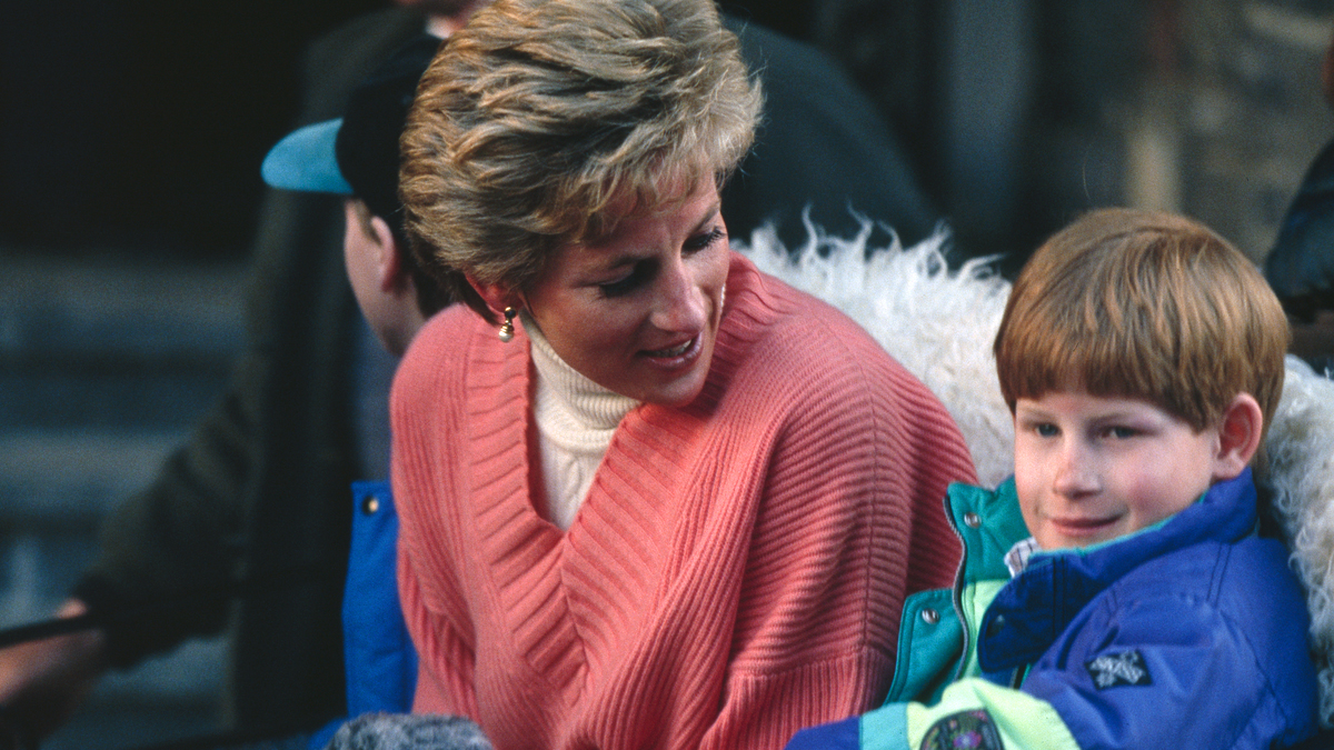 Princess Diana's Former Butler Shares Letter - Woman's World