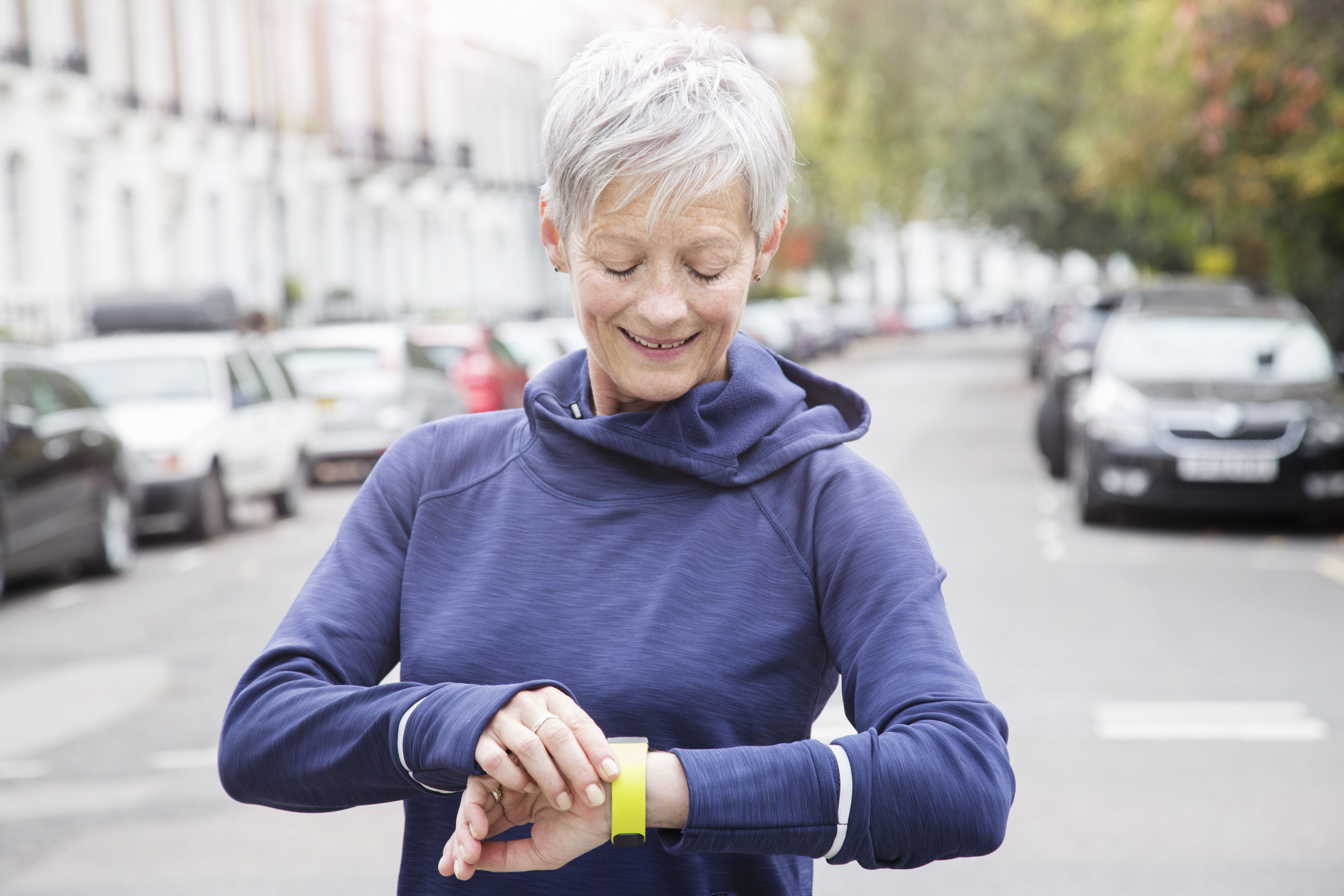 We May Soon Be Able to Detect Alzheimer's Early Using a Wearable Device - Woman's World