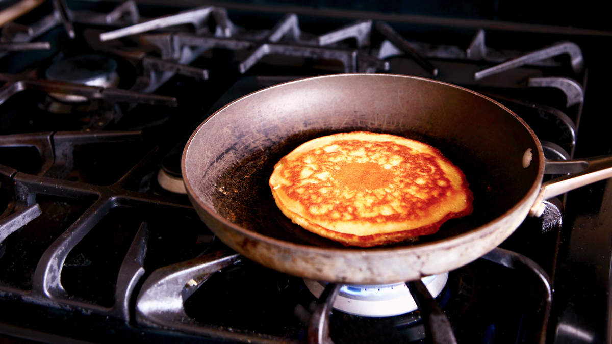 How to Make Flavorful and Fluffy Pancakes - Woman's World