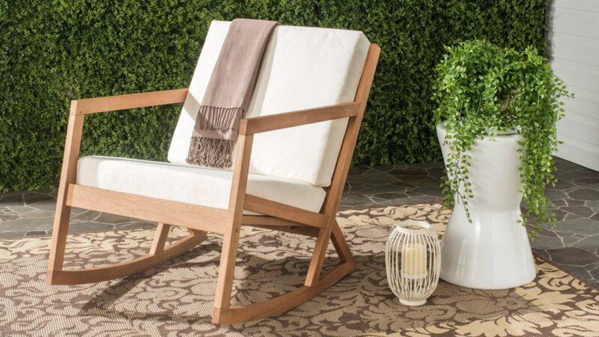 Picture of: 6 Best Outdoor Rocking Chairs For A More Comfortable Patio