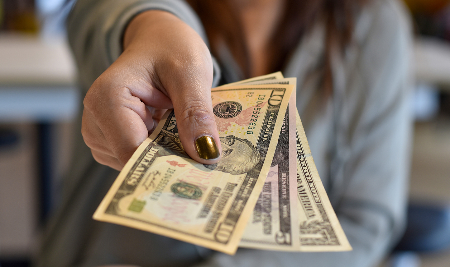 4 Simple Ways to Earn Cash By Watching Commercials