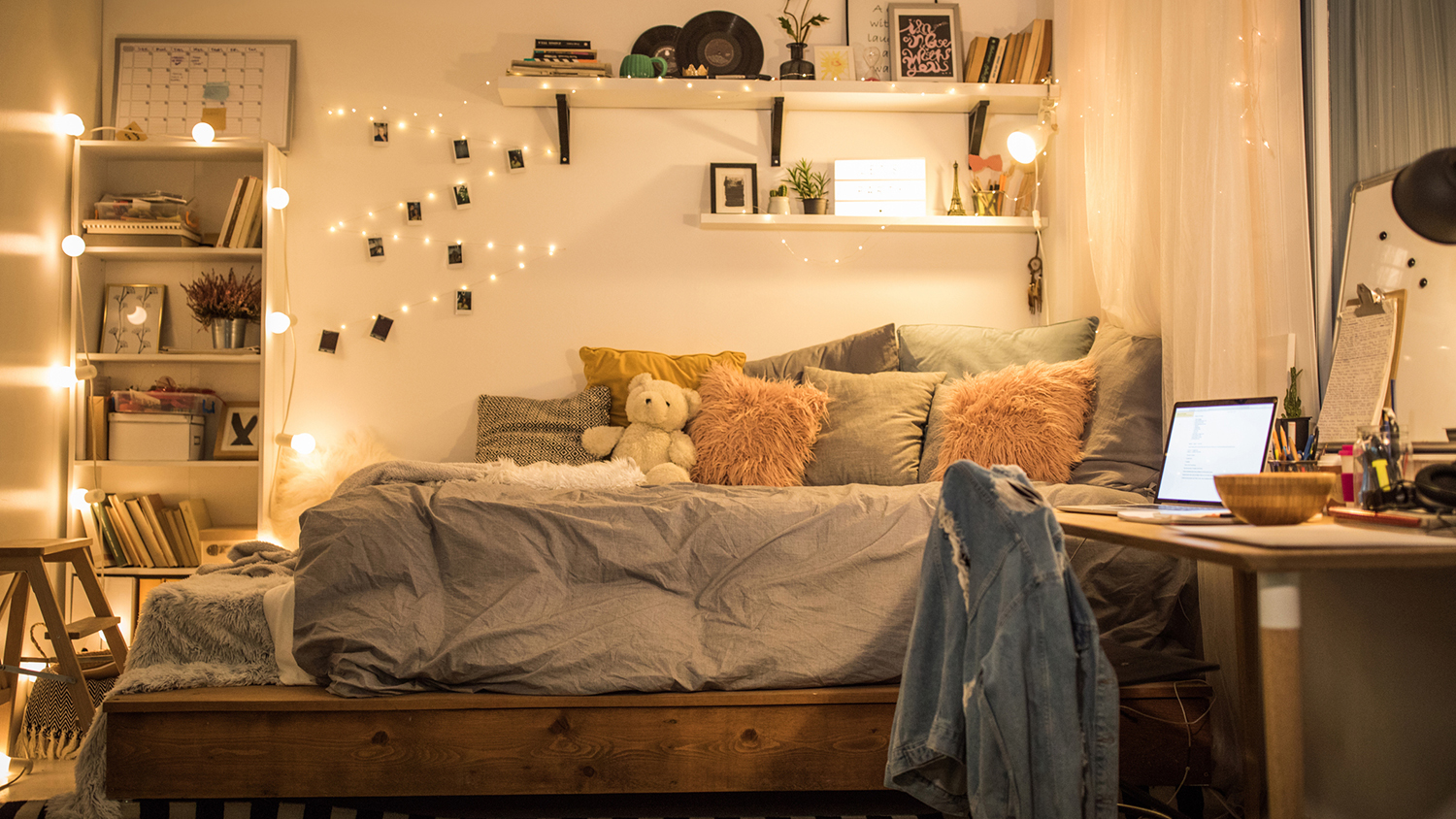 10 Dorm Room Essentials Every College-Bound Kid Needs This Year