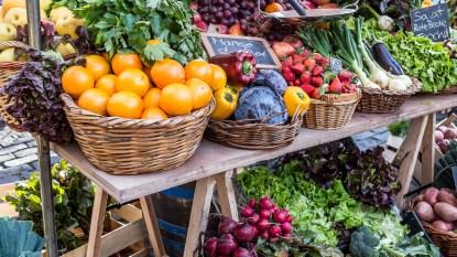 Farmer's market fruits and veggies