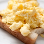 Scrambled eggs on toast