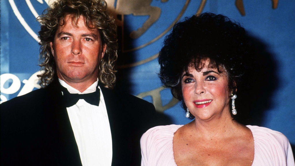 Elizabeth Taylor and Larry Fortensky at an event