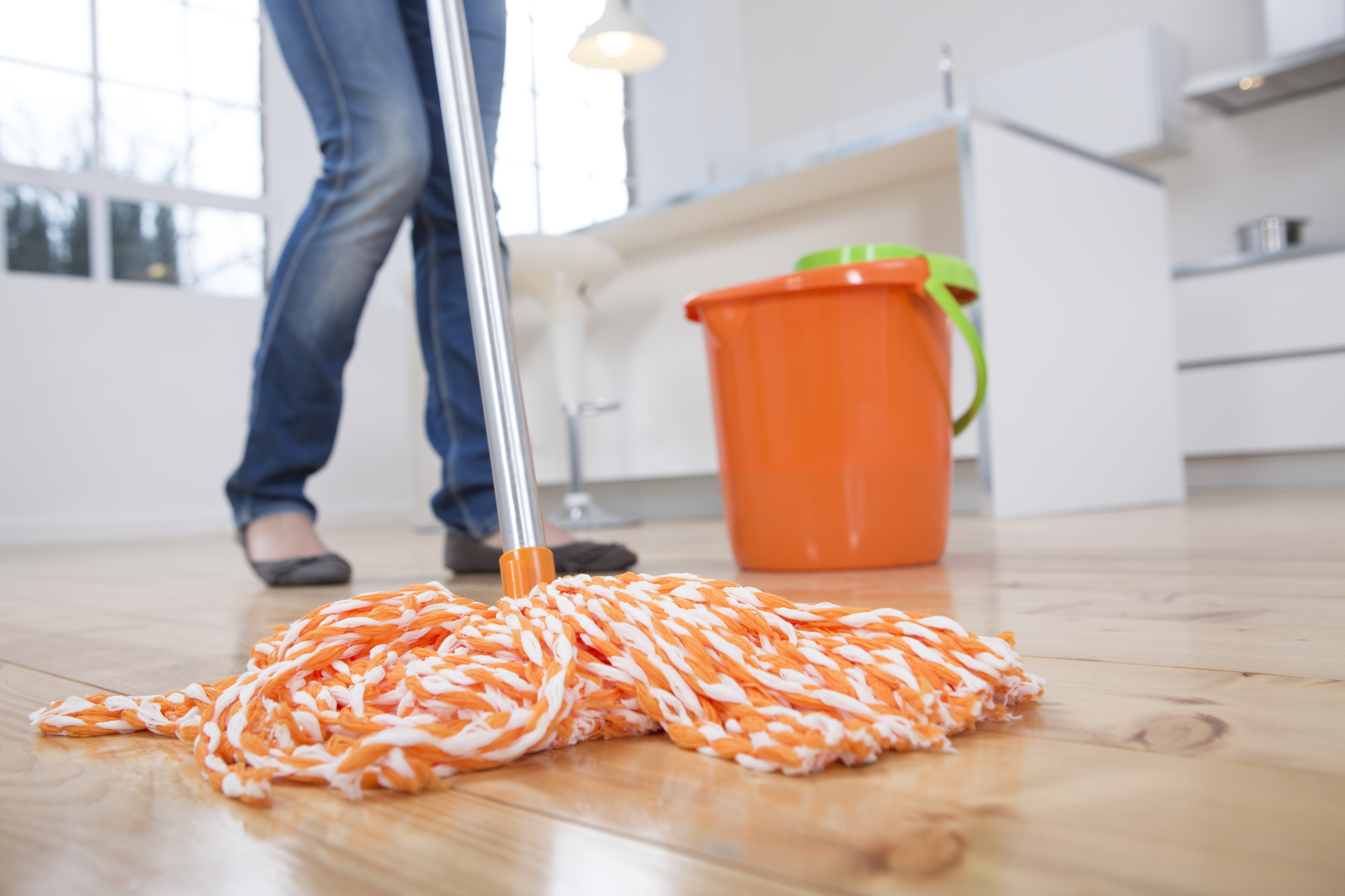 This 3-Ingredient Essential Oil Hardwood Floor Cleaner Will Make Your Space Immaculate