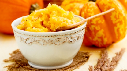 Bowl of pumpkin puree