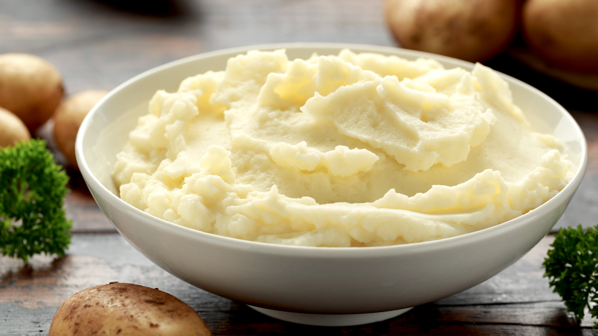 How to Make Low-Calorie Mashed Potatoes That Are Just as Creamy and Delicious
