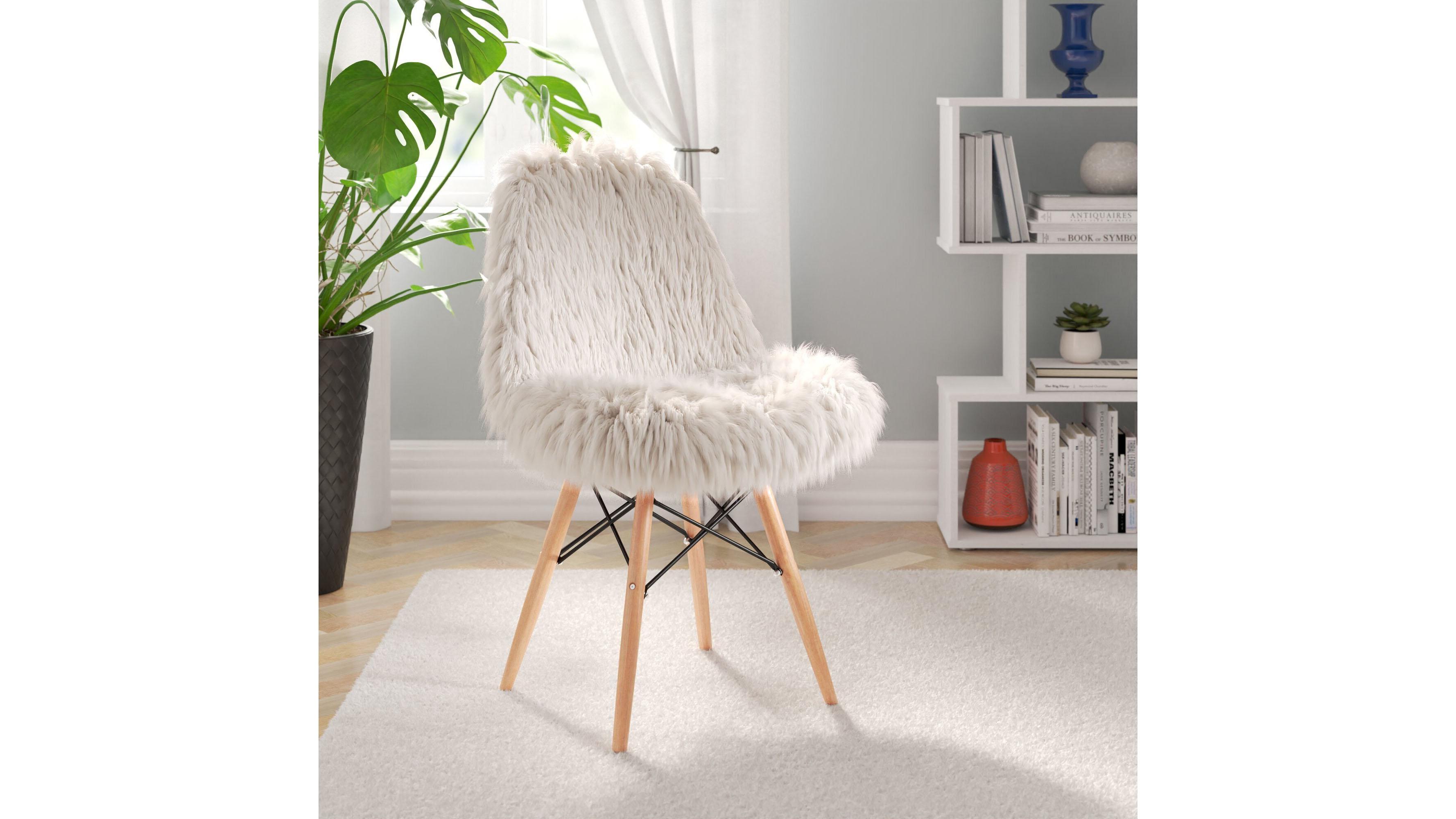 Mistana Teen Faux Fur Chair
