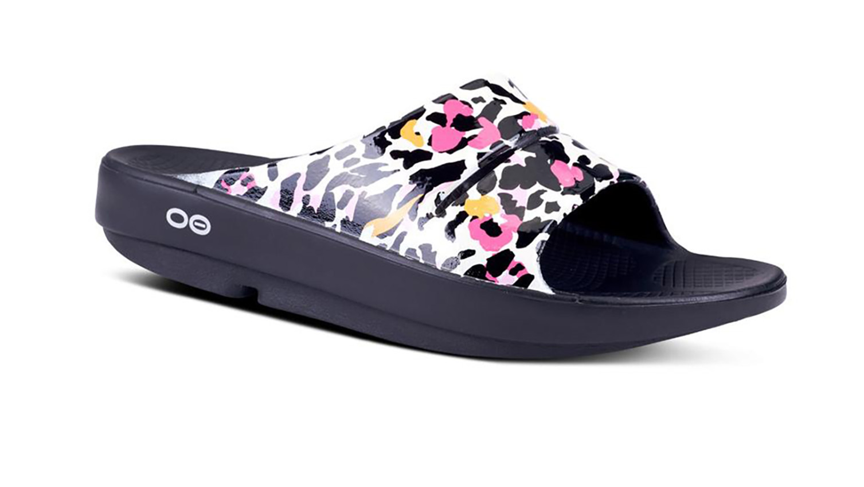 Oofos luxe slide sandal