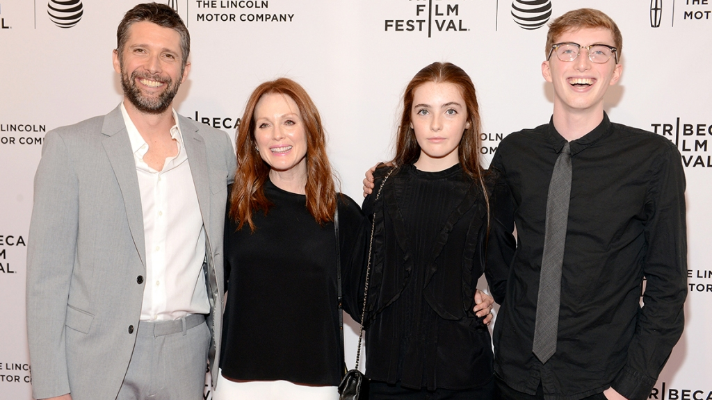 Julianne Moore with her husband and kids