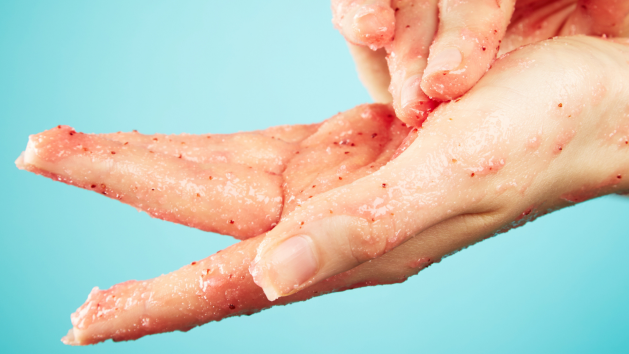 natural body scrub on hands