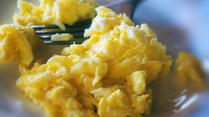 scrambled-eggs-blender-hack