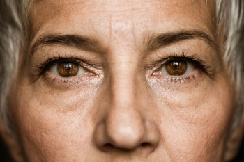 hooded eyes makeup trick