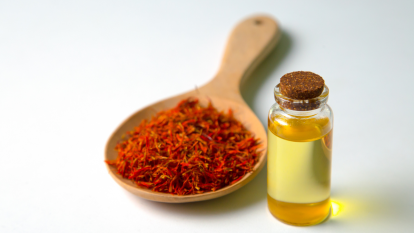 safflower-oil-cooking
