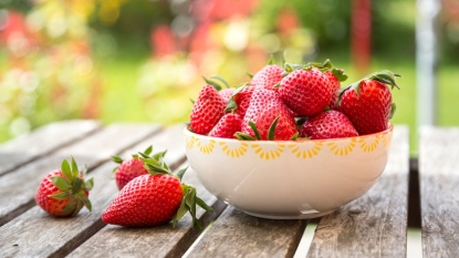 strawberries-reduce-alzheimers-disease-risk