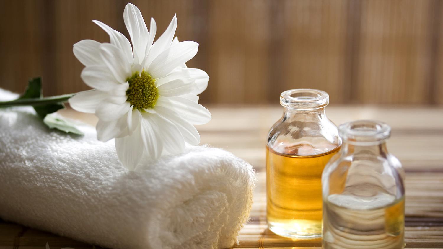 6 Anti-Aging Oils That Will Help Regrow Hair, Smooth Skin, Strengthen Nails, and More