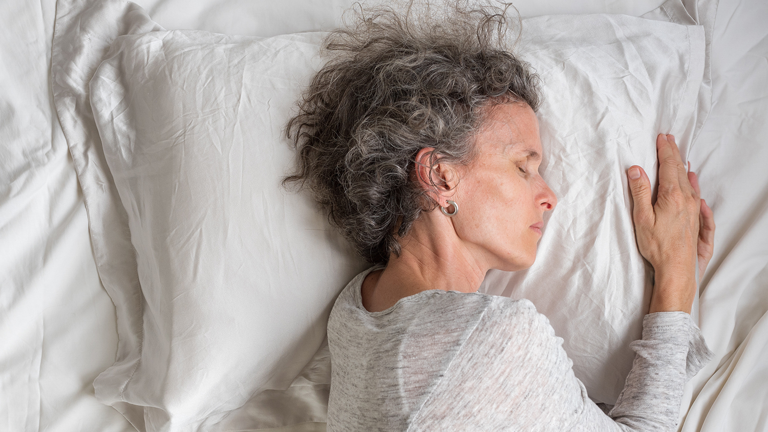4 Natural Cures for Pain That Keeps You Awake at Night
