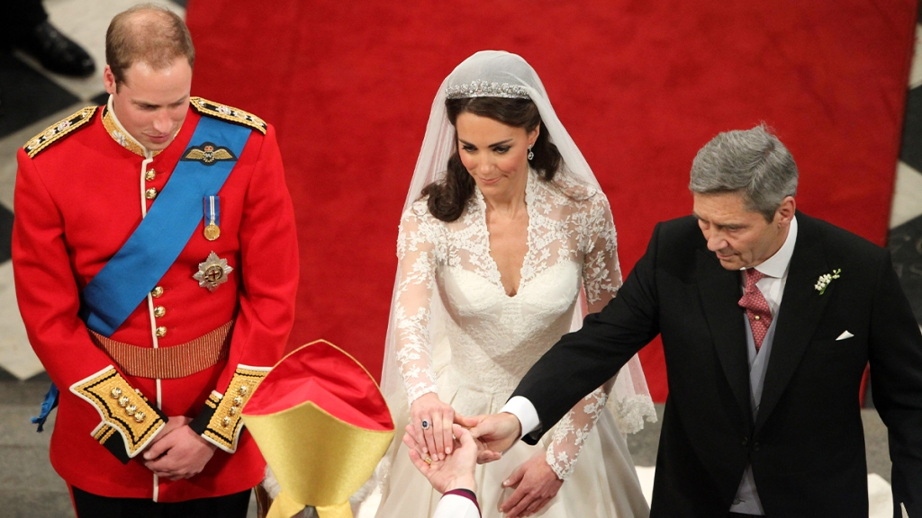 Kate wearing her engagement ring