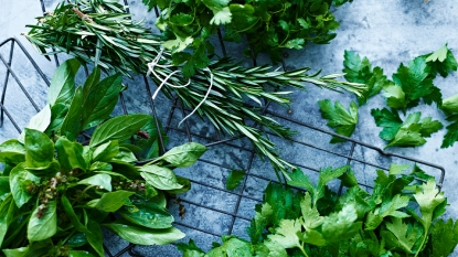 How to dry fresh herbs story image