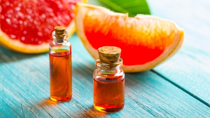 Grapefruit extract_oil in a bottle