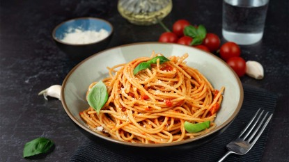Spaghetti in red sauce