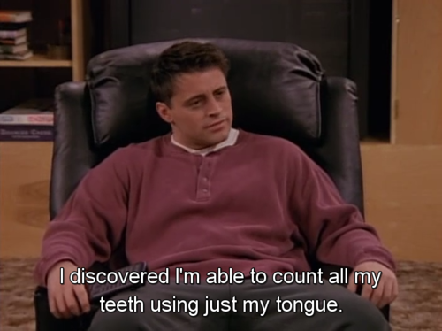 joey-teeth-tongue