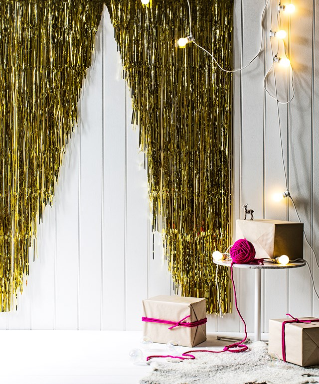 gold streamers nye