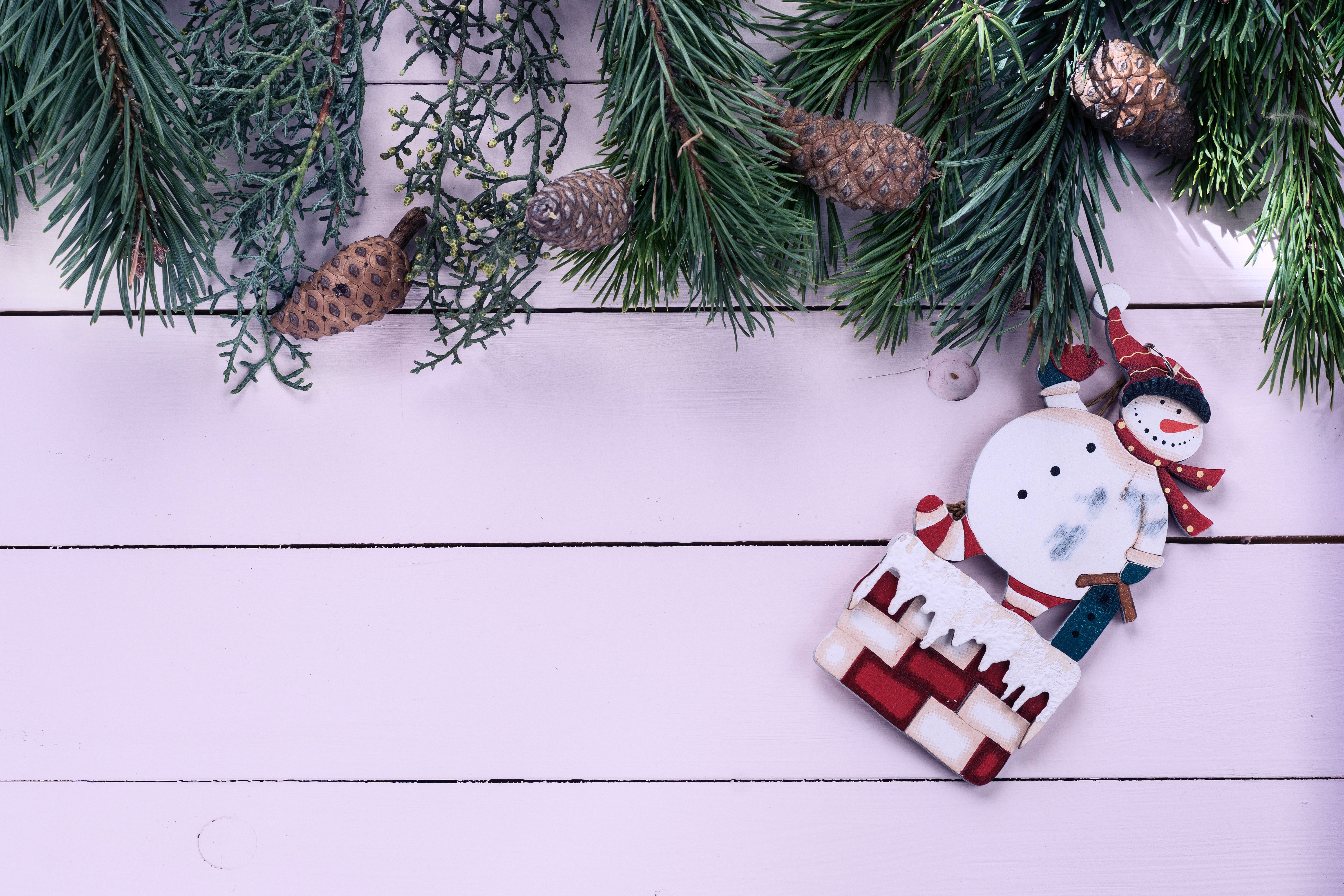 Cheap and Easy Christmas Decorations to Make at Home - First For Women