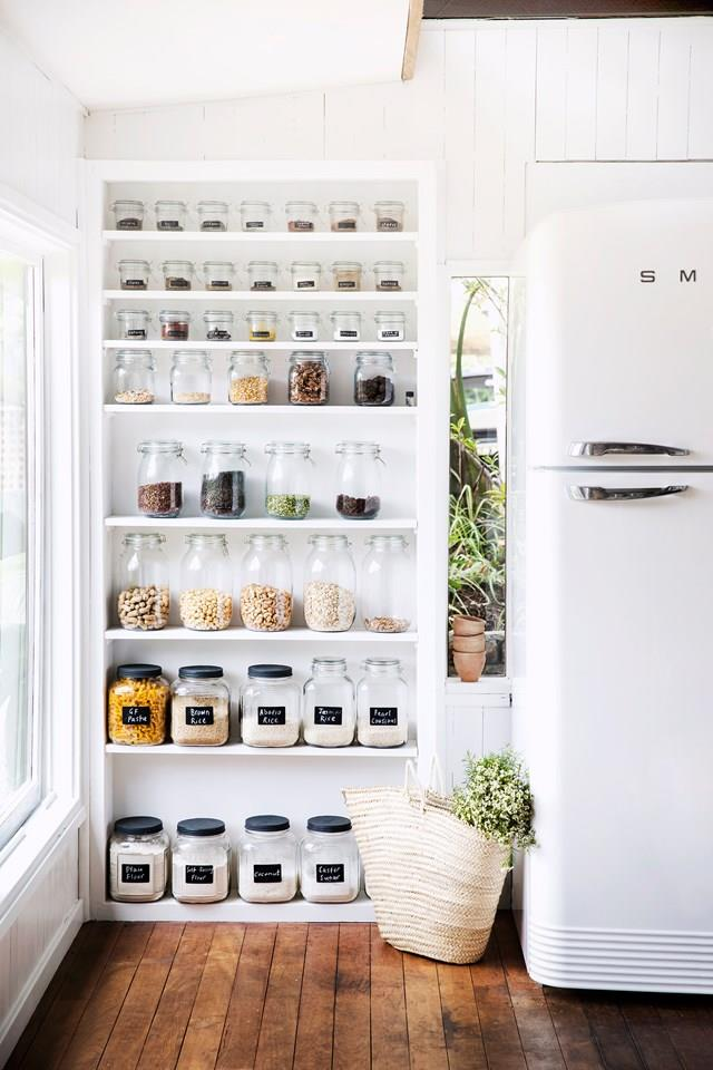 organize fridge htl