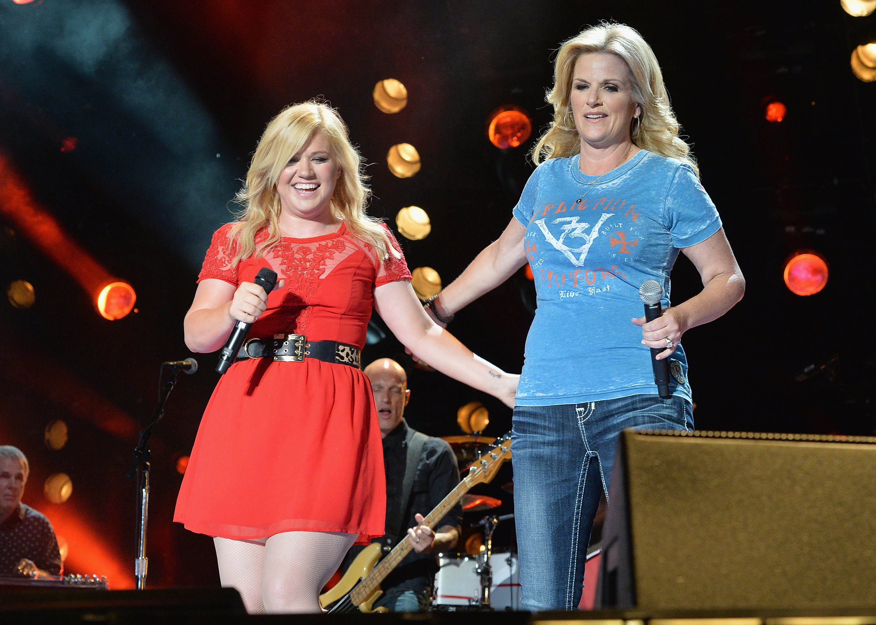 Kelly Clarkson Trisha Yearwood Getty