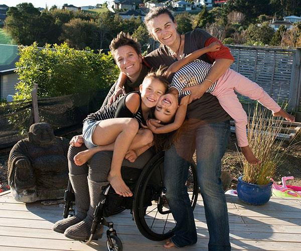 Amanda Lowry Family Now to Love