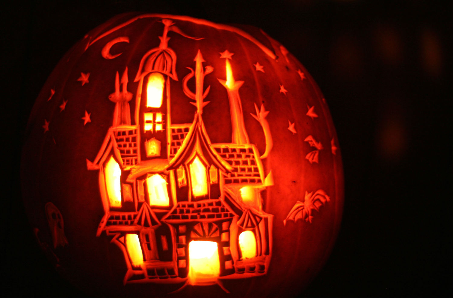 can carved pumpkins stay inside getty