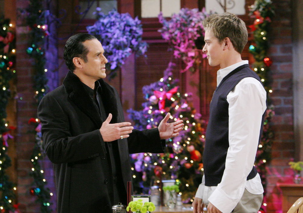GH Sonny Michael Holiday Scene - JPI