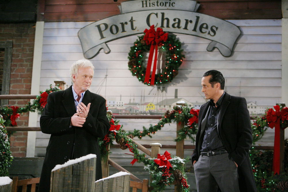 GH Luke & Sonny Holiday Scene - JPI
