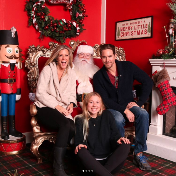 Laura Wright Santa Pic - Instagram
