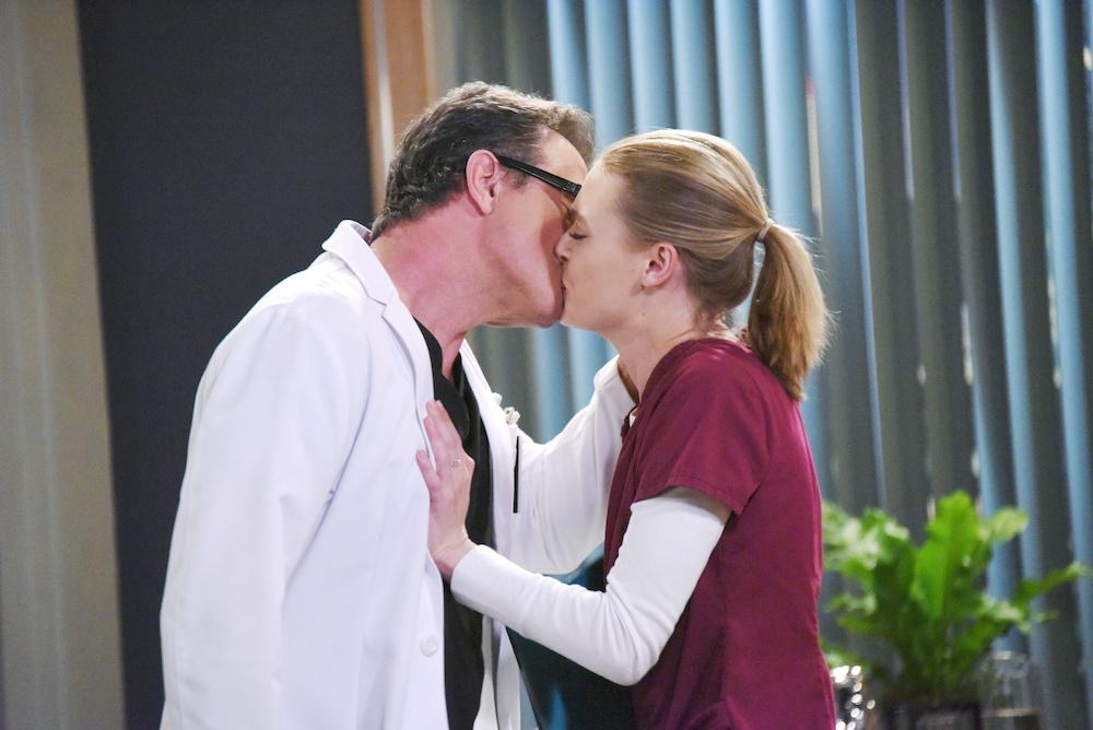 GH Dr Bensch kissing Kiki - JPI