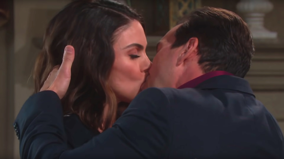 Days of Our Lives Chloe Stefan kiss