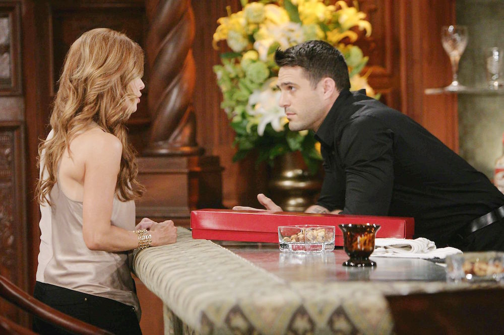 The Young and The Restless Lauren and Carmine