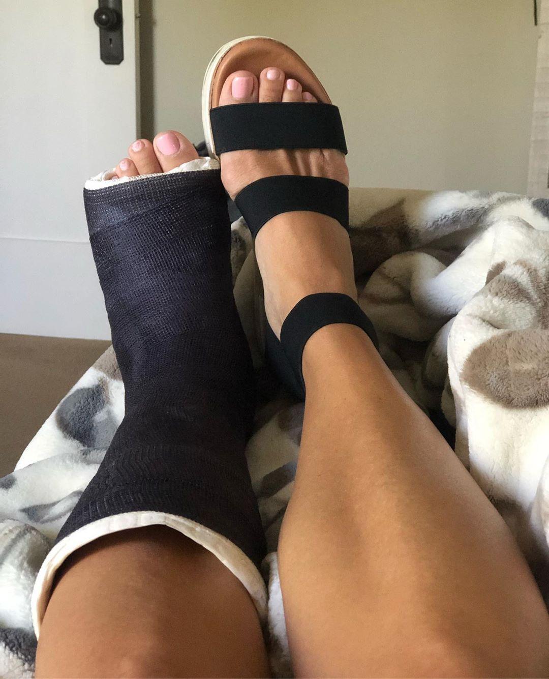 Laura Wright broken foot